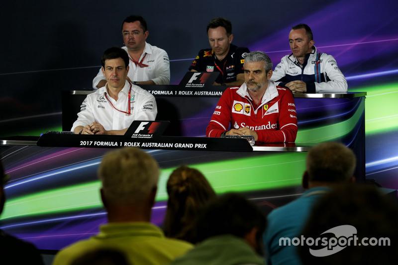 Conferencia de la FIA: Eric Boullier, McLaren Racing; Christian Horner, Red Bull Racing RB13 Team; Paddy Lowe, Williams; Toto Wolff, Mercedes; Maurizio Arrivabene, Ferrari