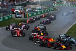 Valtteri Bottas, Mercedes-Benz F1 W08 , Max Verstappen, Red Bull Racing RB13 y Sebastian Vettel, Ferrari SF70H