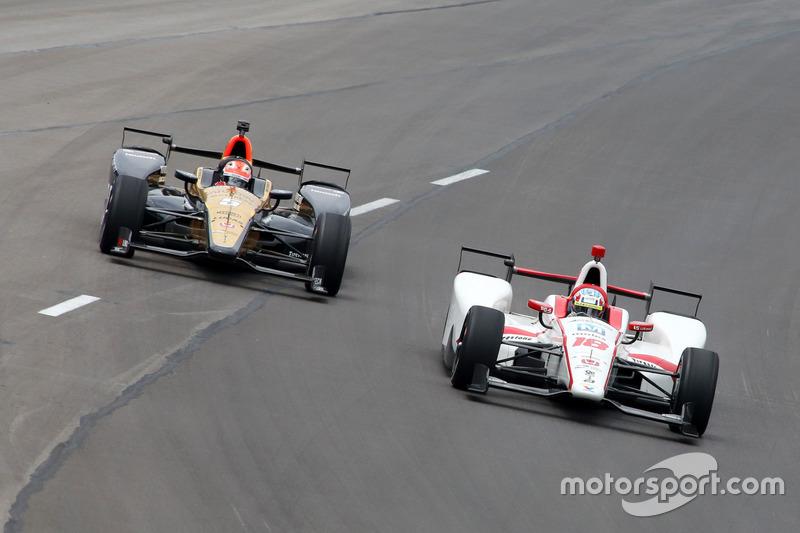 Тристан Вотье, Dale Coyne Racing Honda, и Джеймс Хинчклифф, Schmidt Peterson Motorsports Honda