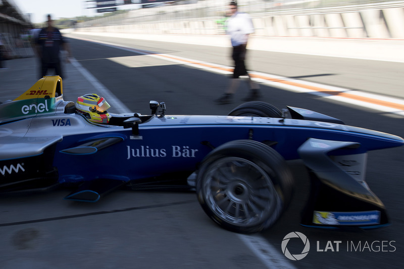 Rio Haryanto, drives the SPARK SRT_01E