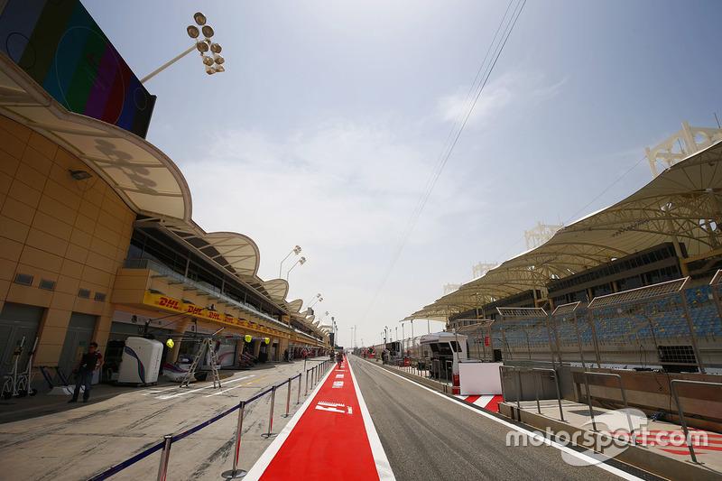 Boxengasse am Bahrain International Circuit