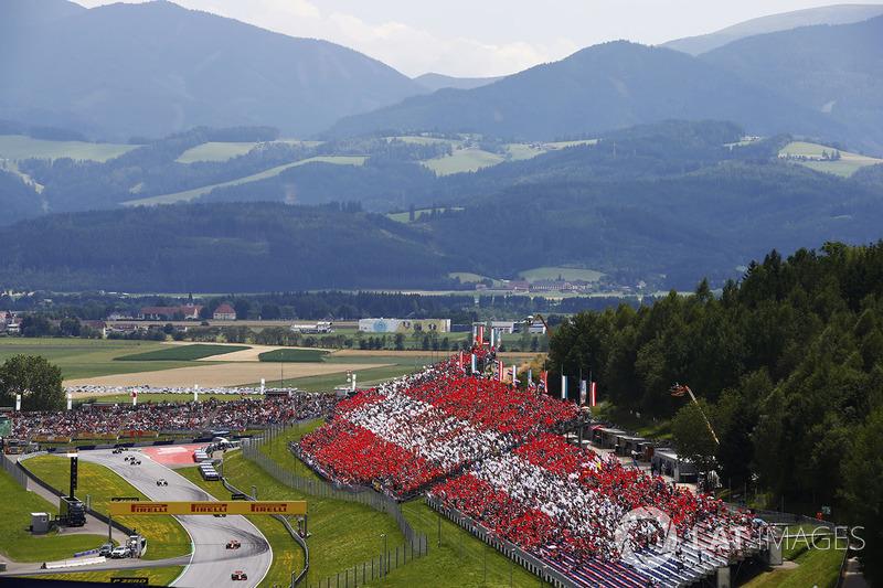 Daniel Ricciardo, Red Bull Racing RB13, Max Verstappen, Red Bull Racing RB13