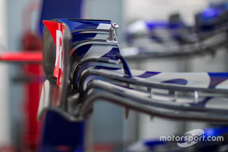 Toro Rosso wing detail
