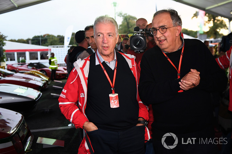 Генеральний директор FIAT Серджіо Маркіонне, віце-президент Ferrari П'єро Ларді Феррарі на 70-річчі Ferrari