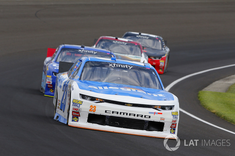 Spencer Gallagher, GMS Racing Chevrolet y Elliott Sadler, JR Motorsports Chevrolet