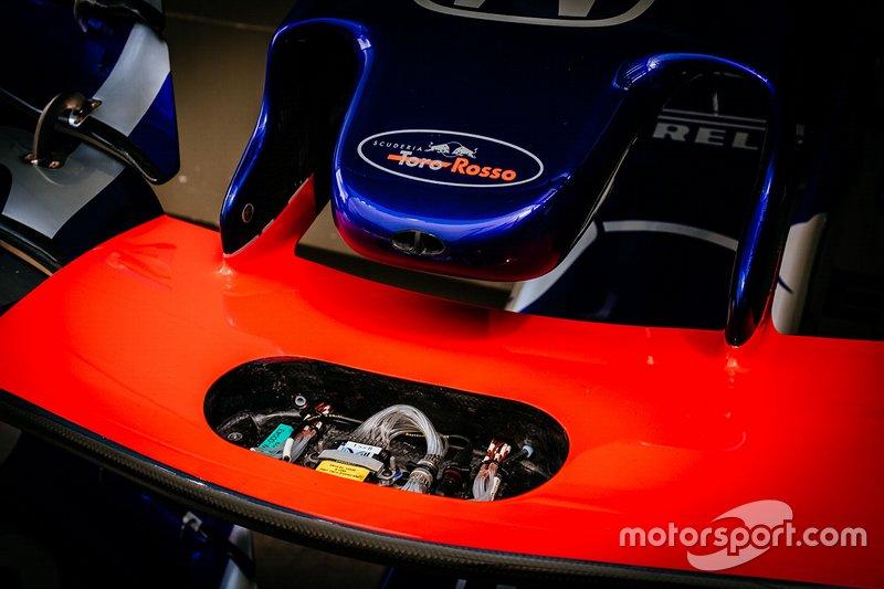 Toro Rosso STR14: Frontflügel