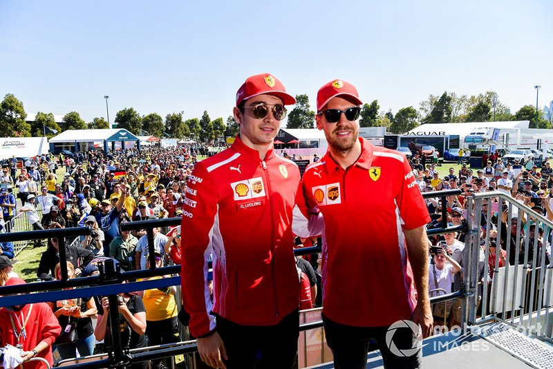 Sebastian Vettel, Ferrari e Charles Leclerc, Ferrari, arrivano alla sessione autografi