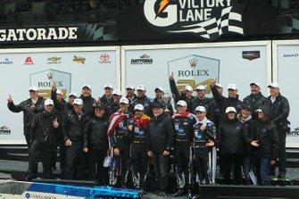 Race Winners #10 Konica Minolta Cadillac DPi-V.R.: Renger Van Der Zande, Jordan Taylor, Fernando Alonso, Kamui Kobayashi