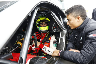Mick Schumacher con el Mercedes-AMG C63 DTM with Pascal Wehrlein
