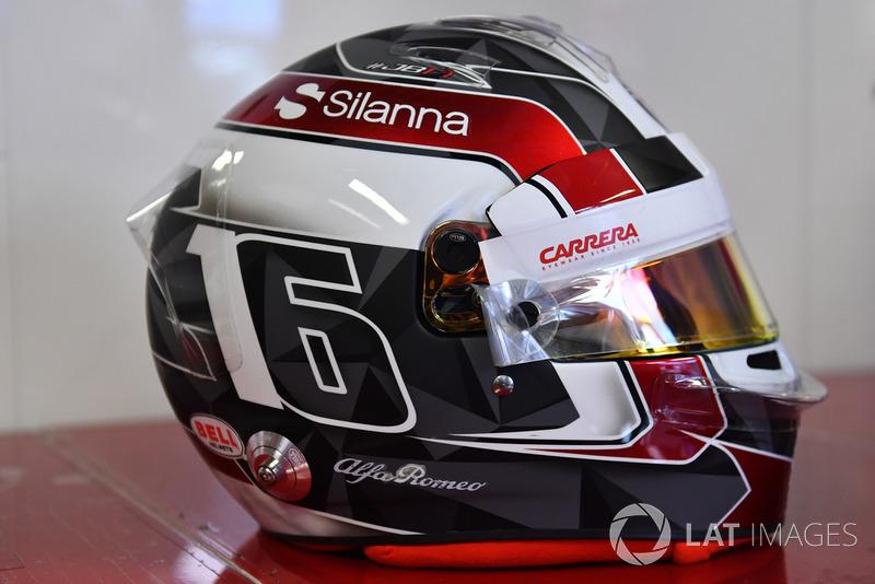 Шлем Шарля Леклера из сезона-2018 (выступал в Sauber)
