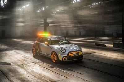 Presentazione della Mini FIA FormulaE Safety Car