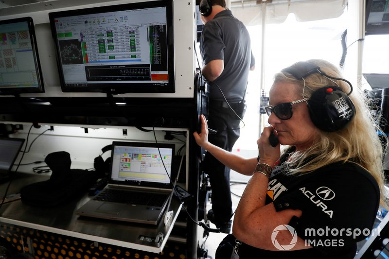 #57 Meyer Shank Racing w/ Curb-Agajanian Acura NSX GT3, GTD: Jackie Heinricher