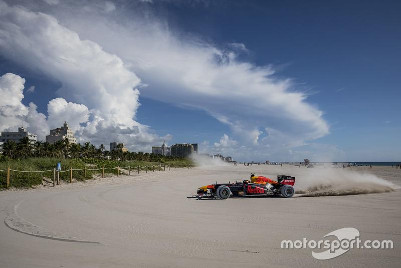 4 місце — Макс Ферстаппен (Нідерланди, Red Bull) — коефіцієнт 17,00