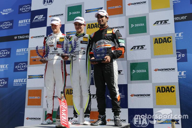 Podium: Race winner Callum Ilott, Prema Powerteam, Dallara F317 - Mercedes-Benz, second place Lando