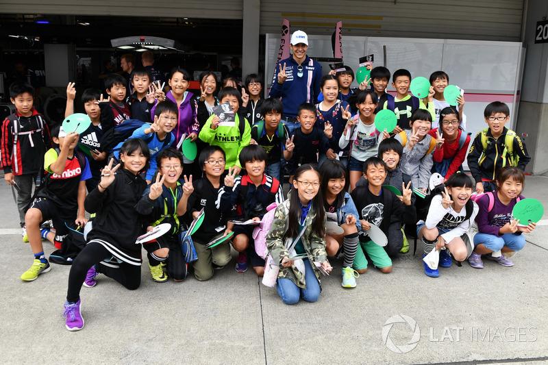 Esteban Ocon, Sahara Force India F1 and young fans