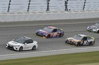 Toyota Camry pace car, Kyle Busch, Joe Gibbs Racing Toyota, Denny Hamlin, Joe Gibbs Racing Toyota