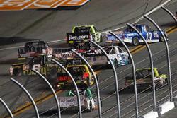 """Crash: """"Big One"""" mit John Hunter Nemechek, SWM-NEMCO Motorsports, Chevrolet"""