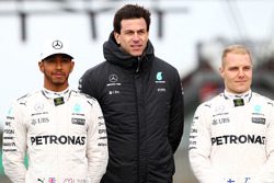 Льюис Хэмилтон, Тото Вольф и Валттери Боттас, Mercedes AMG F1