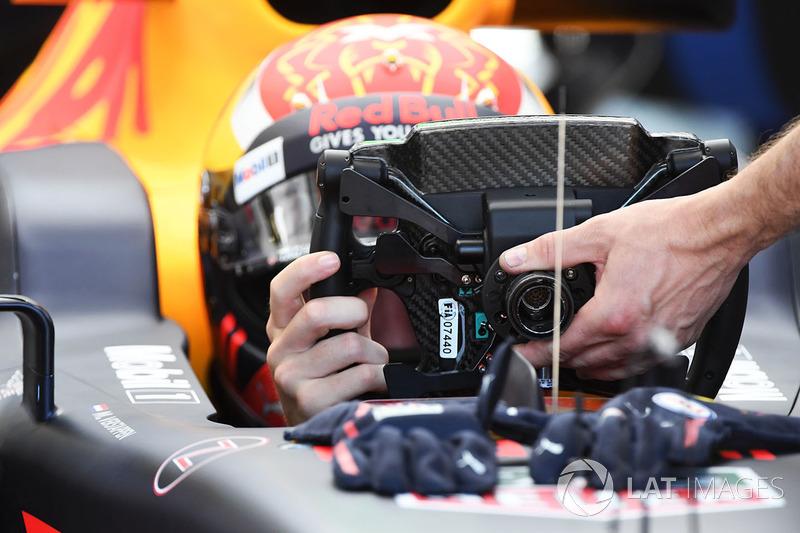 Макс Ферстаппен, Red Bull Racing RB13 та кермо