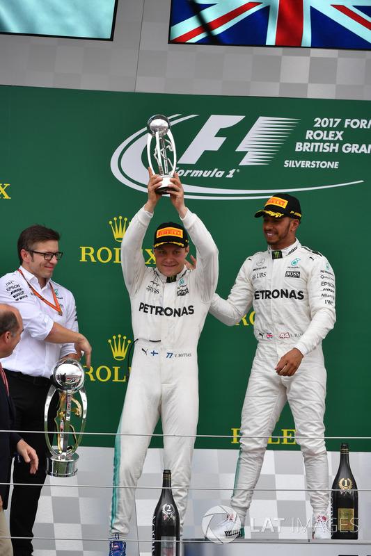 Peter Bonnington, Ingeniero de carrera Mercedes AMG F1, Lewis Hamilton, Mercedes AMG F1 y Valtteri B