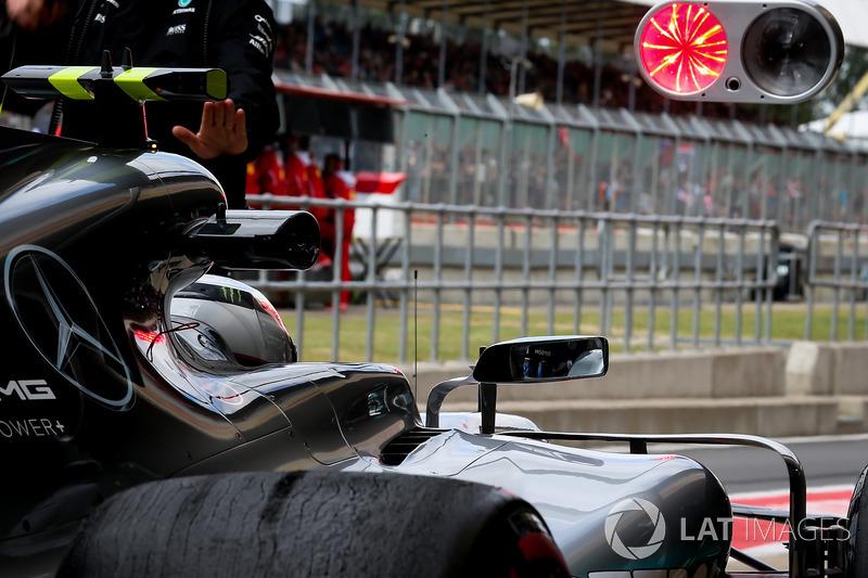 Valtteri Bottas, Mercedes-Benz F1 W08  pitstop