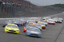 Kevin Harvick, Stewart-Haas Racing, Ford Fusion Busch Beer Ryan Blaney, Team Penske, Ford Fusion Menards/Duracell