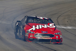 Crash: Kurt Busch, Stewart-Haas Racing, Ford Fusion Haas Automation