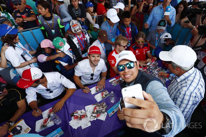 Daniel Abt, Audi Sport ABT Schaeffler, poses for an selfie with a fan