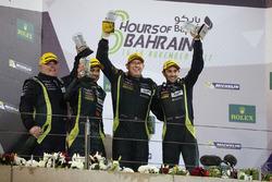 Podium LMGTE AM: eerste plaats Paul Dalla Lana, Pedro Lamy, Mathias Lauda, Aston Martin Racing