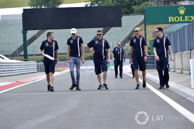 Esteban Ocon, Force India F1, recorre la pista