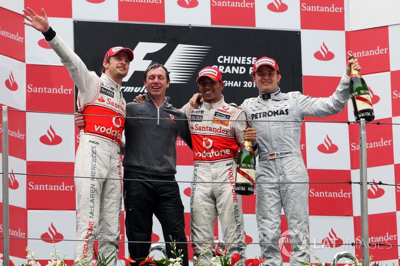 2010. Подіум: 1. Дженсон Баттон, McLaren. 2. Льюіс Хемілтон, McLaren. 3. Ніко Росберг, Mercedes