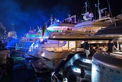 Barche di notte nel Porto di Monaco