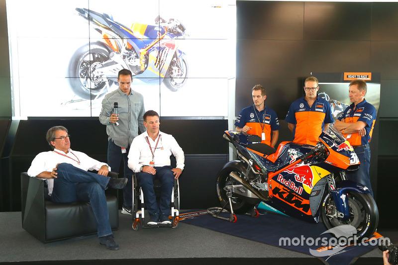 La presentazione della KTM 2017 MotoGP
