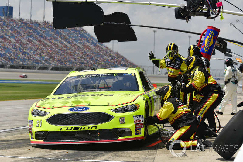 Paul Menard, Wood Brothers Racing, Ford Fusion Menards / Sylvania, effettua un pit stop, Sunoco
