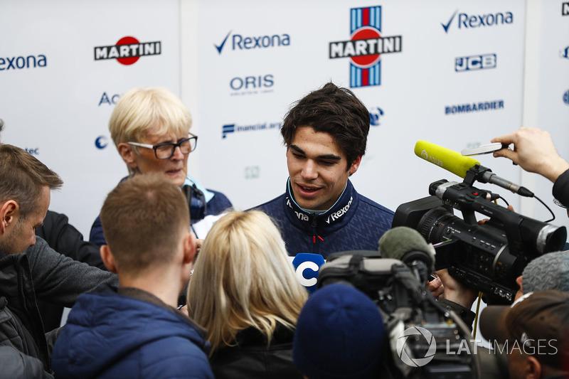 Год спустя он может похвастаться подиумом на Гран При Азербайджана. После ухода Фелипе Массы он стал самым опытным пилотом Williams