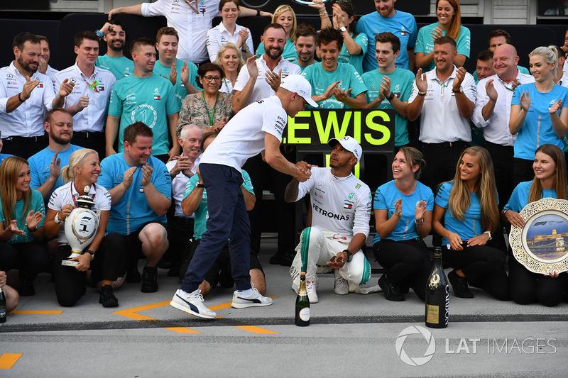 Льюіс Хемілтон, Валттері Боттас з командою Mercedes-AMG F1