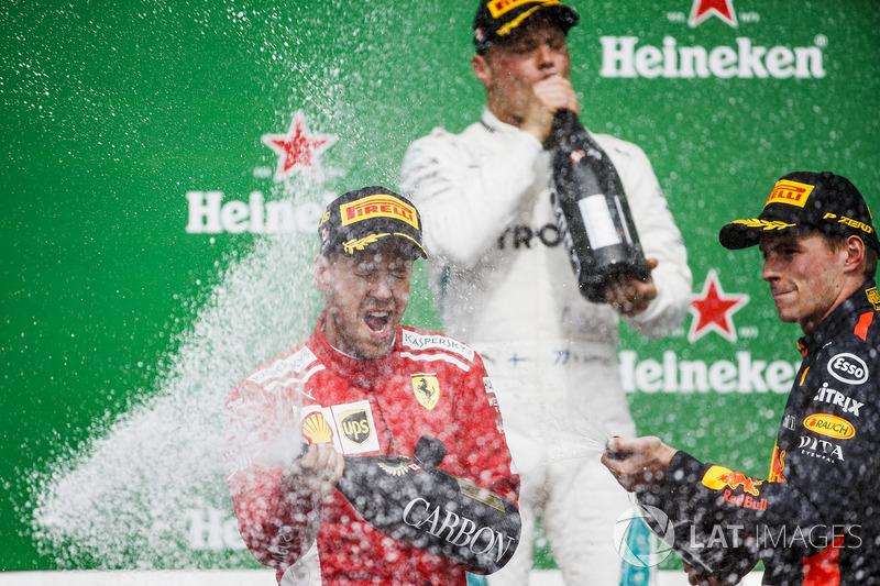 Valtteri Bottas, Mercedes AMG F1,Sebastian Vettel, Ferrari