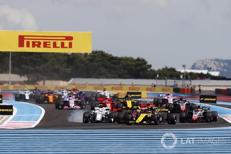 Carlos Sainz Jr., Renault Sport F1 Team R.S. 18, Charles Leclerc, Sauber C37, Kevin Magnussen, Haas F1 Team VF-18