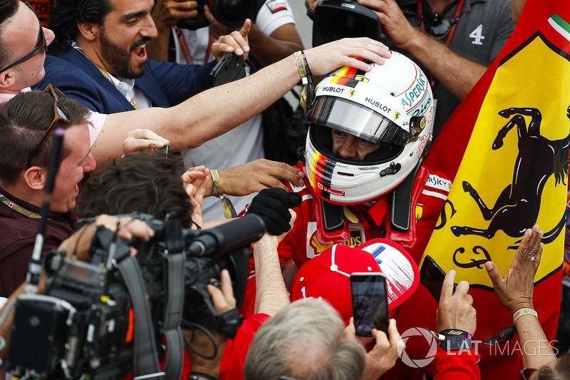 Sebastian Vettel, Ferrari, festeggia la vittoria