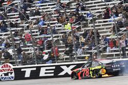Crash: Martin Truex Jr., Furniture Row Racing, Toyota Camry Bass Pro Shops/5-hour ENERGY