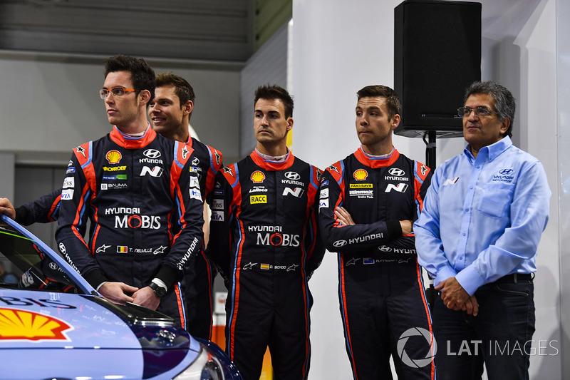 Thierry Neuville, Andreas Mikkelsen, Hayden Paddon, Dani Sordo and Michel Nandan, Hyundai Motorsport
