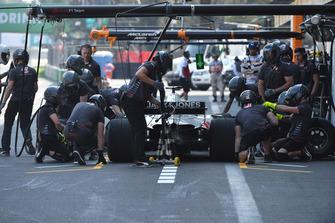 Пит-стоп: Кевин Магнуссен, Haas F1 Team VF-18