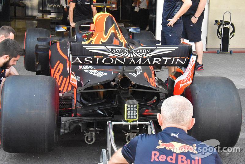 Red Bull inmediatamente duplicó las aletas de piso que Ferrari probó en la última ronda en los Estados Unidos.
