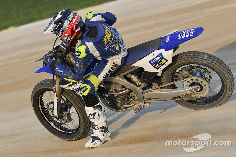 Faeroz beraksi di flat track Motor Ranch VR46