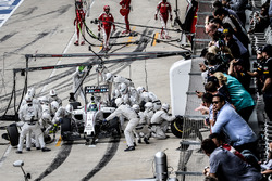 Felipe Massa, Williams Martini Racing FW38 pit stop