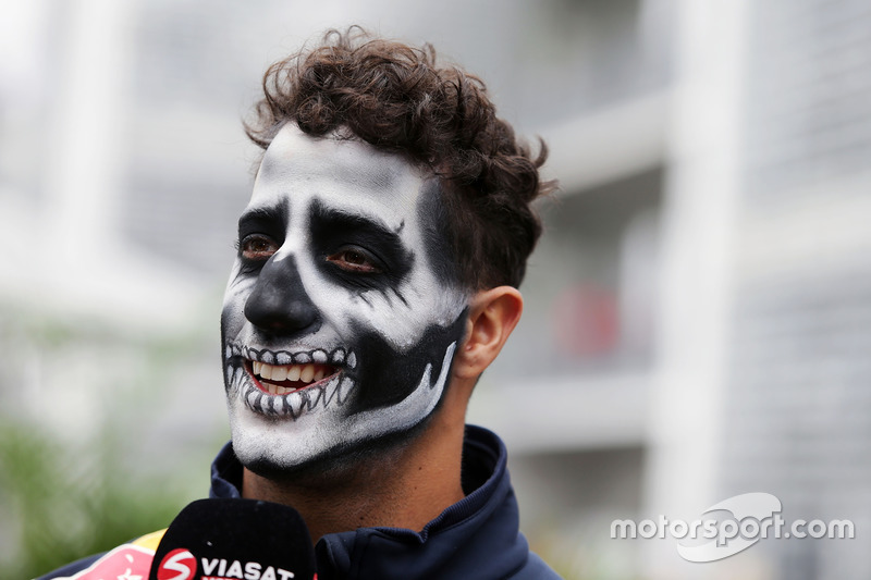 Daniel Ricciardo, Red Bull Racing avec de la peinture sur le visage