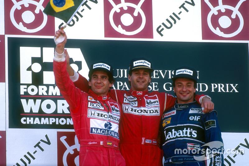 Podio: ganador de la carrer Gerhard Berger, McLaren, segundo lugar y campeón del mundo Ayrton Senna, McLaren McLaren y el tercer lugar Riccardo Patrese, Williams