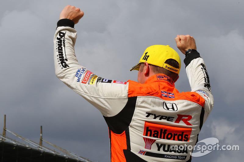2. Gordon Shedden, Halfords Yuasa Racing