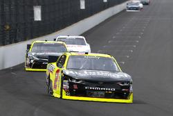 Paul Menard, Richard Childress Racing Chevrolet and Matt Tifft, Joe Gibbs Racing Toyota
