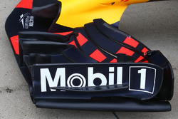 Red Bull RB13 front wing detail